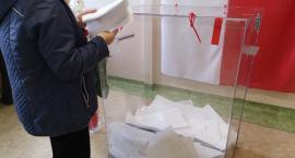 Niedziela wyborcza. W Szczecinku spokój, incydent w Sporem