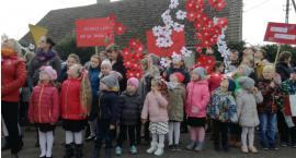 Gwda: 100 baloników poszybowało w niebo z okazji Odzyskania Niepodległości