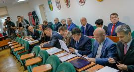 Nowe porządki w Radzie Powiatu Szczecineckiego. Pierwsza sesja i ślubowanie