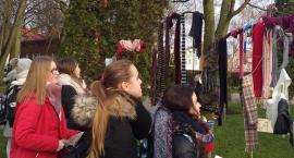 Zima też może być ciepła. Happening na rzecz osób bezdomnych w Szczecinku