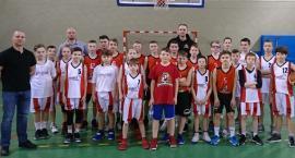 Emet Basket na meczach kontrolnych w Pile