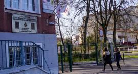 Pomimo strajku nauczycieli, w Szczecinku rozpoczął się egzamin ósmoklasistów