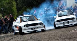 Ryk silników, pisk opon i mnóstwo dymu. Auto Drift Show w Bornem Sulinowie