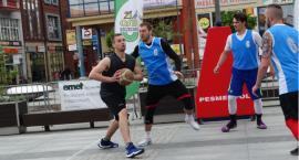 Koszykarze spotkali się w samym centrum Szczecinka