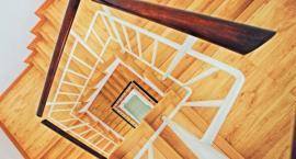 Czy warto zainstalować w swoim domu schody zabiegowe?