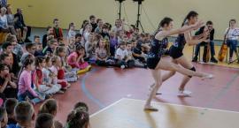 Są utalentowani i chętnie się tym chwalą. W SP 5 w Szczecinku odbył się Koncert Talentów