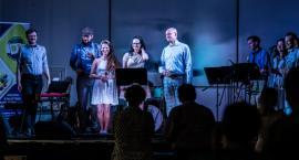 Koncert zespołu Główny Zawór Jazzu zakręcił Bornem