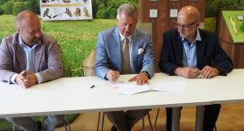 Umowy na żaglówki - podpisane