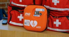 Kolejny defibrylator AED będzie dostępny publicznie. Trafi na Stadion Miejski