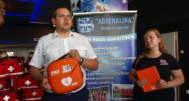 Kolejny deibrylator AED został przekazany. Trafił do szczecineckiego kina