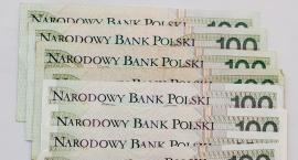 Nauczyciel zarabia mało. A Ile zarabia dyrektor szkoły w Szczecinku?