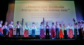 Integracja i zabawa na ludową nutę. Obchody Światowego Dnia Zdrowia Psychicznego w Szczecinku