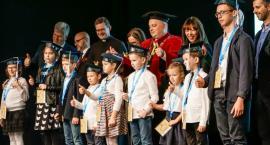 Koszaliński Uniwersytet Dzieci i Młodzieży w Szczecinku po raz czwarty przywitał małych studentów