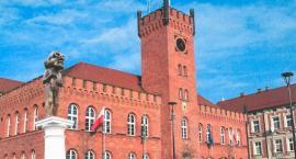 Czy Obywatel Włapko stanie przed ratuszem w Szczecinku? Jest taki pomysł