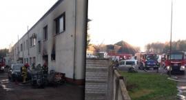 Groźny pożar na ul. Pilskiej w Szczecinku, zawalony strop, wypadki na drogach powiatu