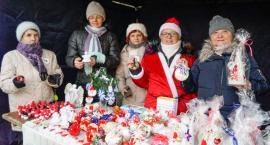 Świąteczny kiermasz w Szczecinku. Stowarzyszenie Aktywnych Kobiet pomaga hospicjum