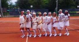 Tenisowy turniej retro w Kołobrzegu