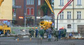 Były korty, będzie sklep – centrum Szczecinka w budowie