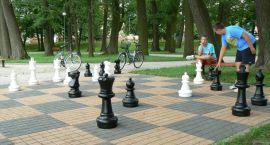 Parkowi szachiści kończą sezon – drugie szachy koło zamku?