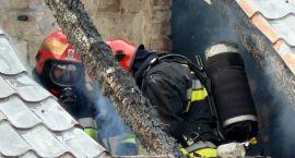 Strażacy gaszą płonące kominy