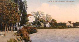 Stary Szczecinek: Kamieniczki w parku