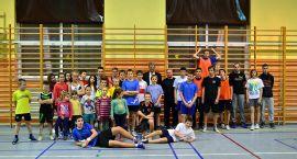 UKS Gwda i mikołajki na sportowo