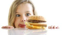 Nasze dzieci jedzą śmieci
