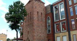 Duży problem z małą wieżą