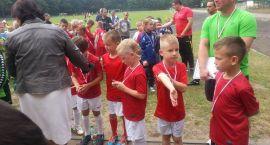 Młodzi piłkarze na turnieju w Bornem