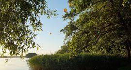 Błękitne niebo i balony nad Szczecinkiem