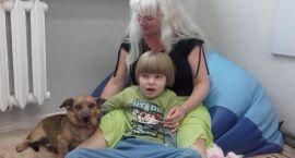 Szczecinecki psi terapeuta pomaga dzieciom autystycznym