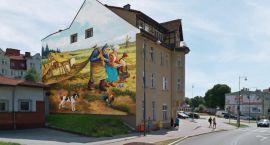 Kolejny wielki obraz na kamienicy w Szczecinku