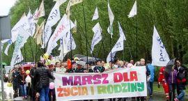 W Szczecinku maszerowali w obronie życia. To nie było łatwe
