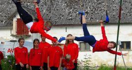Młodzi cyrkowcy wystąpili w Juchowie