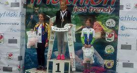 Zawodniczka Triathlon Szczecinek na podium