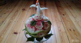 Róże z kalarepy, ptak z rzodkiewki