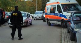 Pomoc przy wypadku samochodowym, dwóch bardzo nietrzeźwych rowerzystów i złodziej z czteropakiem