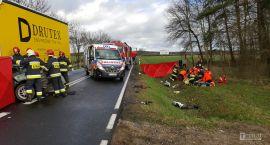 Wstrząsający wypadek na DK20. Zginął mężczyzna z dwójką dzieci