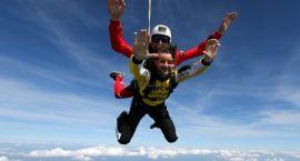 Podaruj skok spadochronowy w upominku!