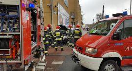 Wjechała w rurę z gazem. Wypadek w centrum Szczecinka