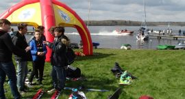 Jezioro, łodzie, żaglówki, motorówki, narty wodne, wędki… Sezon wodniacki w Szczecinku otwarty