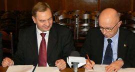 Marszałek przyjechał i podpisał strefę – kontrakt za blisko 22 milionów złotych