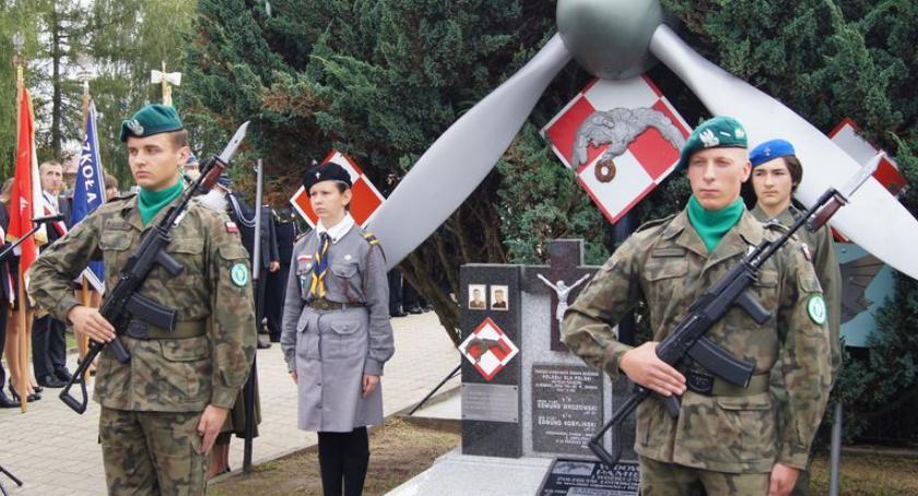 Wydarzenia, Obchody rocznicy śmierci lotników Pawłosiowem - zdjęcie, fotografia