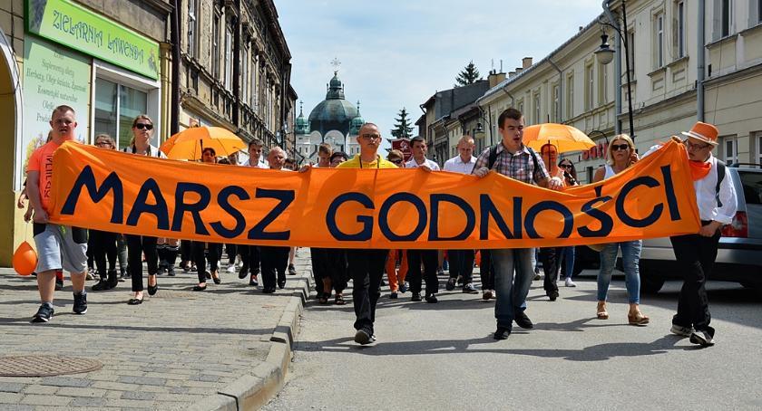 Pomarańczowy Marsz Godności
