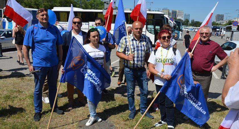 Jarosławianie na Marszu Wolności w Warszawie