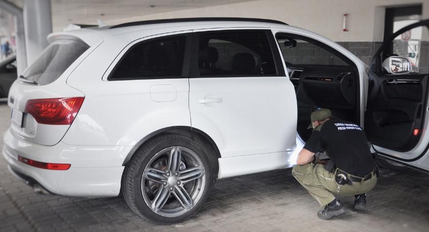 Zdarzenia, skradzione samochody odzyskane ciągu jednego - zdjęcie, fotografia