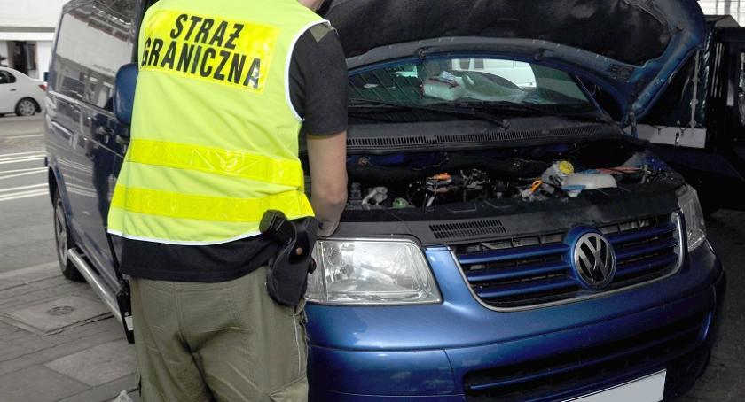 Zdarzenia, Zatrzymali granicy kradzione volkswageny - zdjęcie, fotografia