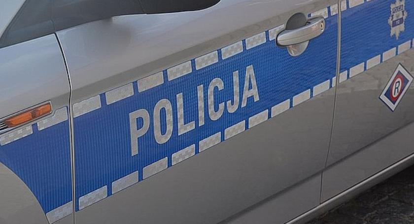 Zdarzenia, Nieletni uprawnień kierował skradzionym autem - zdjęcie, fotografia