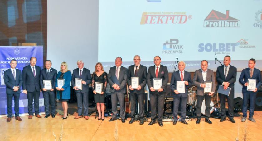 Biznes, Wręczono statuetki Podkarpackiej Nagrody Gospodarczej - zdjęcie, fotografia