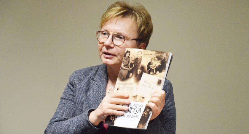 Książka, repatriacja wypędzenie - zdjęcie, fotografia